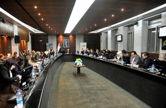 لجنة لدراسة متطلبات 17 مشروع زراعي بالسويداء.. وخط إنتاج جديد لمعمل صناعة الخيش البلاستيكي في محافظة حماة