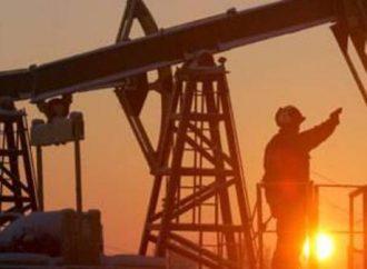 """انخفاض أسعار النفط مع ارتفاع الإصابات بفايروس """"كورونا"""" في أمريكا"""