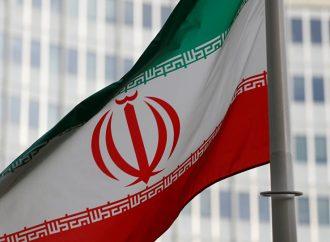 بعد مشاركته بالاحتجاجات.. إيران تطرد السفير البريطاني لديها وتصفه بالكاذب والمراوغ
