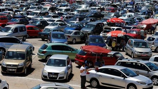 التجارة الخارجية تكسر ارتفاع أسعار السيارات بمزاد لـ 300 سيارة.. ومناقصة لتوريد 80 ألف طن سكر و75 ألف طن سماد يوريا