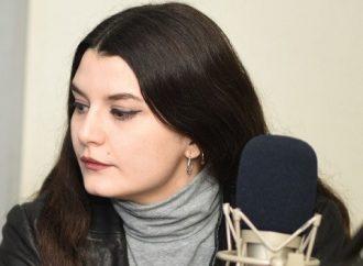 مؤسسة السينما احتفظت بجائزة ممثلة سورية واستخدمتها دون إذنها وسلمتها إياها مكسورة
