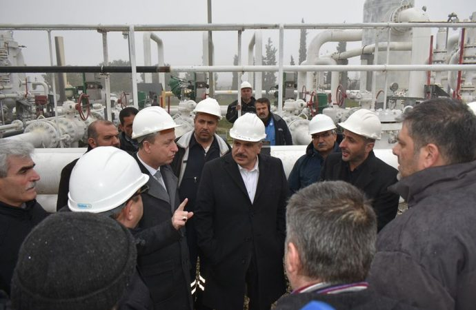 توقف مفاجئ لعنفة محطة معمل غاز الريان بحمص.. ووزيرا النفط والكهرباء يتابعان إصلاحها في المعمل