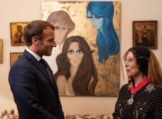 """بالصور.. في منزلها.. لقاء """"جارة القمر"""" السيدة فيروز مع الرئيس الفرنسي ماكرون"""
