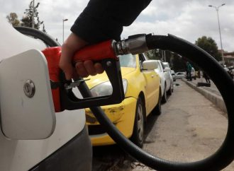 التجارة الداخلية ترفع سعر بنزين أوكتان 95 إلى 1050 ليرة لليتر الواحد.. والمازوت الصناعي إلى  650 ليرة